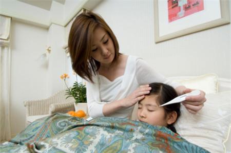 Phòng bệnh cho trẻ ở thời điểm giao mùa