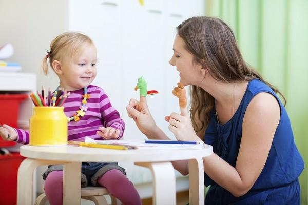 Mẹ rèn luyện khả năng tập trung cho bé như thế nào